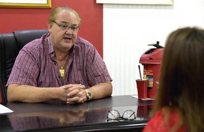 Gobernador del Alto Paraná ofrece su «cuerpito latino» a director de Concierto en respuesta a denuncias de corrupción