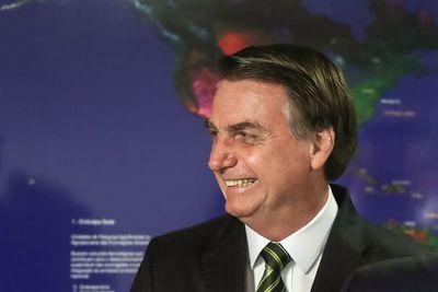 """Bolsonaro le agradece a Trump por la """"defensa que hizo de Brasil en el G7"""""""