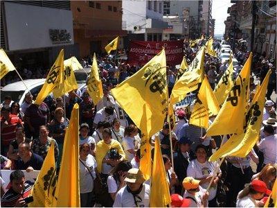 Docentes rechazan el aumento en abril y mantienen movilizaciones
