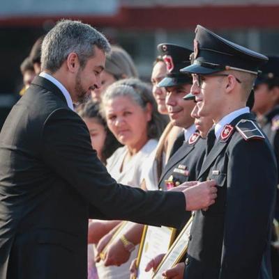 En el Día del Agente de Policía, Presidente destacó el servicio que ofrecen a la ciudadana