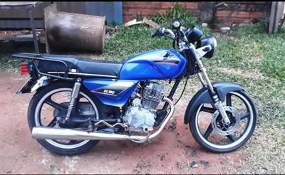 Robaron dos motos del predio de la Municipalidad de Luque •