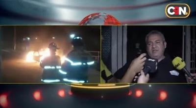 Trama de infidelidad en inquilinato termina con auto quemado