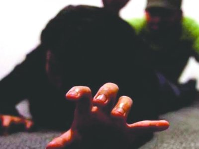 Docente golpeó a su concu e intentó abusar de su hijastra