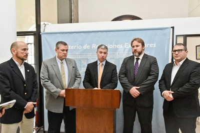 Exportadores fluviales solicitan medidas para asegurar navegabilidad en puntos críticos del Paraná