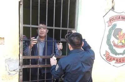 """Dirigente detenido por """"error"""" recupera su libertad •"""