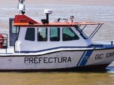 Rescataron a pescadores que cayeron al río Paraná