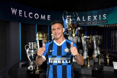 Alexis Sánchez ya se puso la camiseta del Inter
