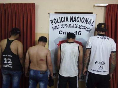 Cuatro barras bravas detenidos e incautan armas