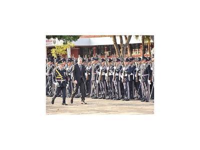 Comandante de Policía pide resistir tentaciones mezquinas