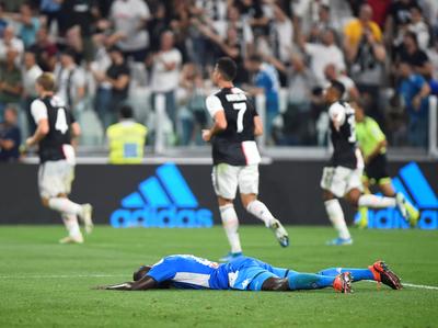En un partidazo, Juventus vence sobre la hora al Napoli