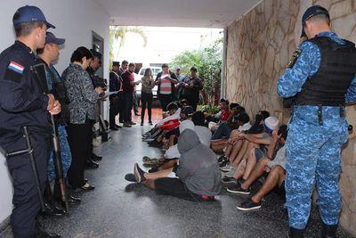 Fiscal imputa a 151 hinchas tras enfrentamiento fatal
