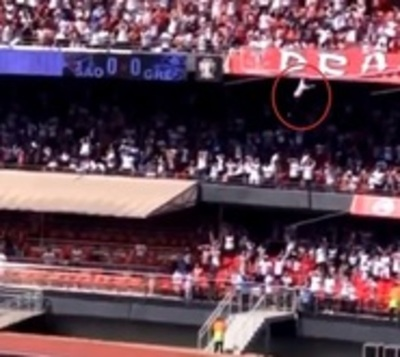 Barrabrava cayó de una altura de 25 metros en un estadio