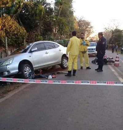 Dos personas fallecen en accidente en Villarrica