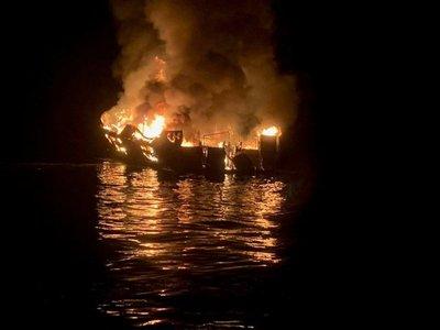 Al menos 34 desaparecidos tras incendio de barco en California