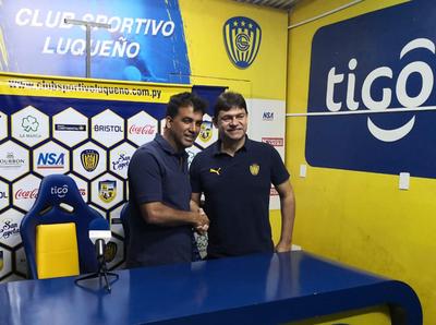 Luqueño puso en funciones a su nuevo DT