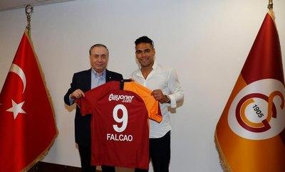 Falcao revoluciona el fútbol turco