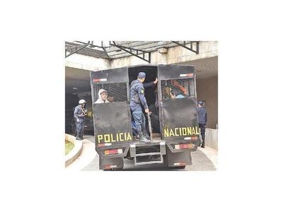 Prisión para hinchas de Cerro y Olimpia
