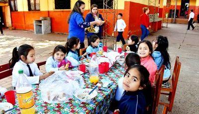 Quejas por almuerzo escolar en San Lorenzo