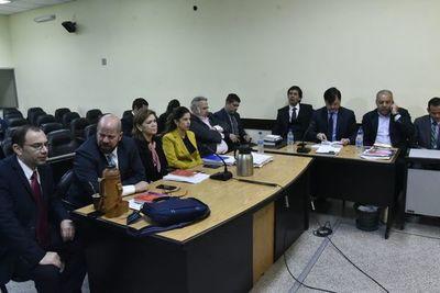 Jueza decidirá mañana si envía a juicio a Oviedo Matto, OGD y Lippmann