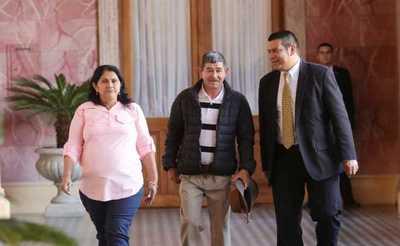 Mario Abdo Benítez dialogó con familiares de suboficial secuestrado