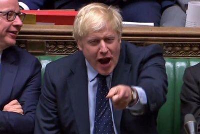 Opositores a Brexit sin acuerdo asestan duro revés a Johnson