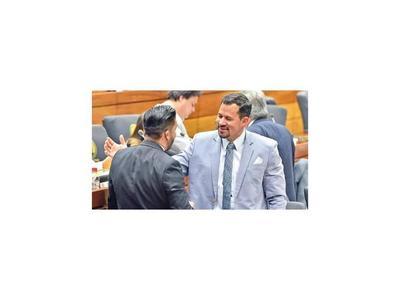 Diputados siguen postergando el estudio de  pérdida de investidura