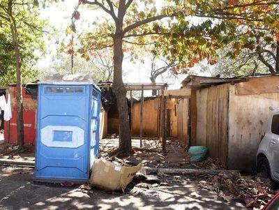Comuna incumple plazos para desocupar plazas
