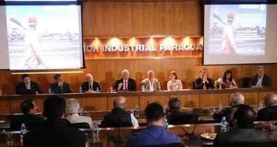 Ministro presentó las principales obras que darán impulso a la economía