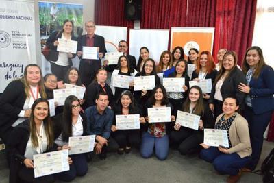 La Administración Pública cuenta con otros 40 Servidores Públicos certificados en Lengua de Señas