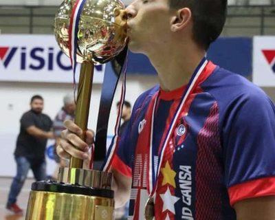 Báez dio su primer grito de campeón en la Liga Premium de futsal FIFA