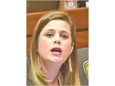 Kattya criticó presencia de Alliana en cumbre