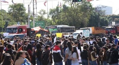 HOY / Estudiantes se movilizan desde este jueves: cerrarán avenidas y rutas