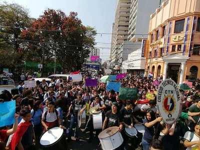 Secundarios cerrarán avenidas y rutas, en reclamo al aumento del presupuesto para educación