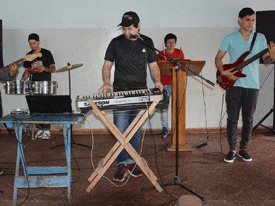 Presos de Tacumbú preparan su primer disco de cumbia