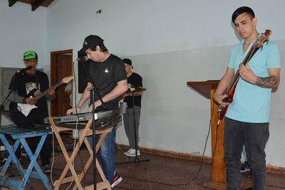 Internos del penal de Tacumbú grabarán un disco de cumbia