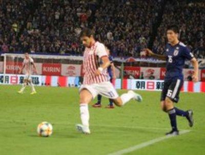 Japón doblega a Paraguay y deja preocupación y dudas en el equipo