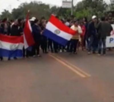 Pobladores de San Pedro reclaman a la MOPC la elaboración de asfalto