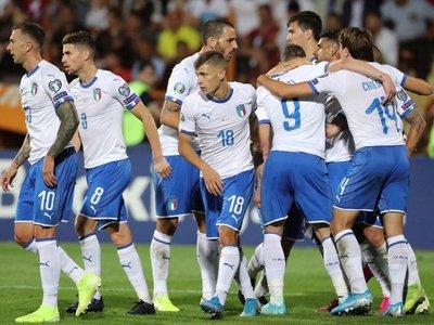 Italia remonta y pone pie y medio en la Eurocopa