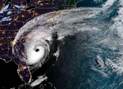 Huracán Dorian azota las Carolinas de EE.UU.