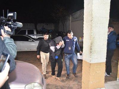 Violó su arresto domiciliario y fue sorprendido en un vehículo robado