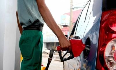 HOY / Admiten que hay condiciones para bajar precio de combustible