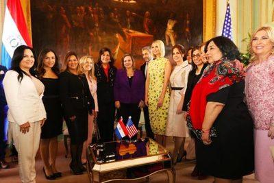 Estados Unidos oficializa millonaria inversión para apoyar a mujeres emprendedoras