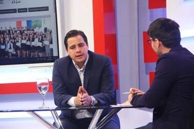 Becal implementa formación de idiomas para aumentar oportunidades en todo el país