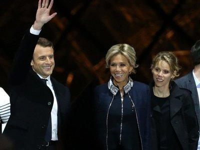 Hija de la primera dama francesa la defiende de los ataques desde Brasil