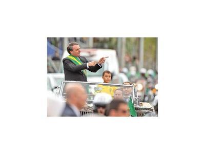 Brasil, dividido por Bolsonaro en jornada de festejo patrio