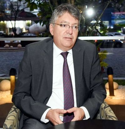 Exministro colombiano recomienda una reforma en  sistema previsional