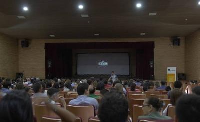 HOY / Buscan llevar películas paraguayas y latinoamericanas a todos los rincones del país