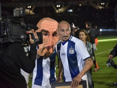 Pablo Guiñazú tuvo su partido homenaje en el Kempes