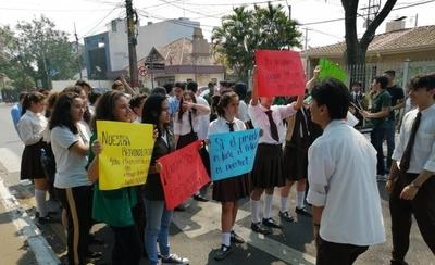 HOY / Marcha no para: estudiantes se movilizan por más presupuesto