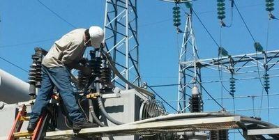Vientos causan estragos: 90 mil familias sin energía eléctrica